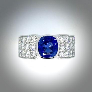 Bague saphir, pavage diamants, Rey-Coquais, bijoutier, joaillier à Lyon
